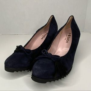Le babe dark blue suede wedge shoes.